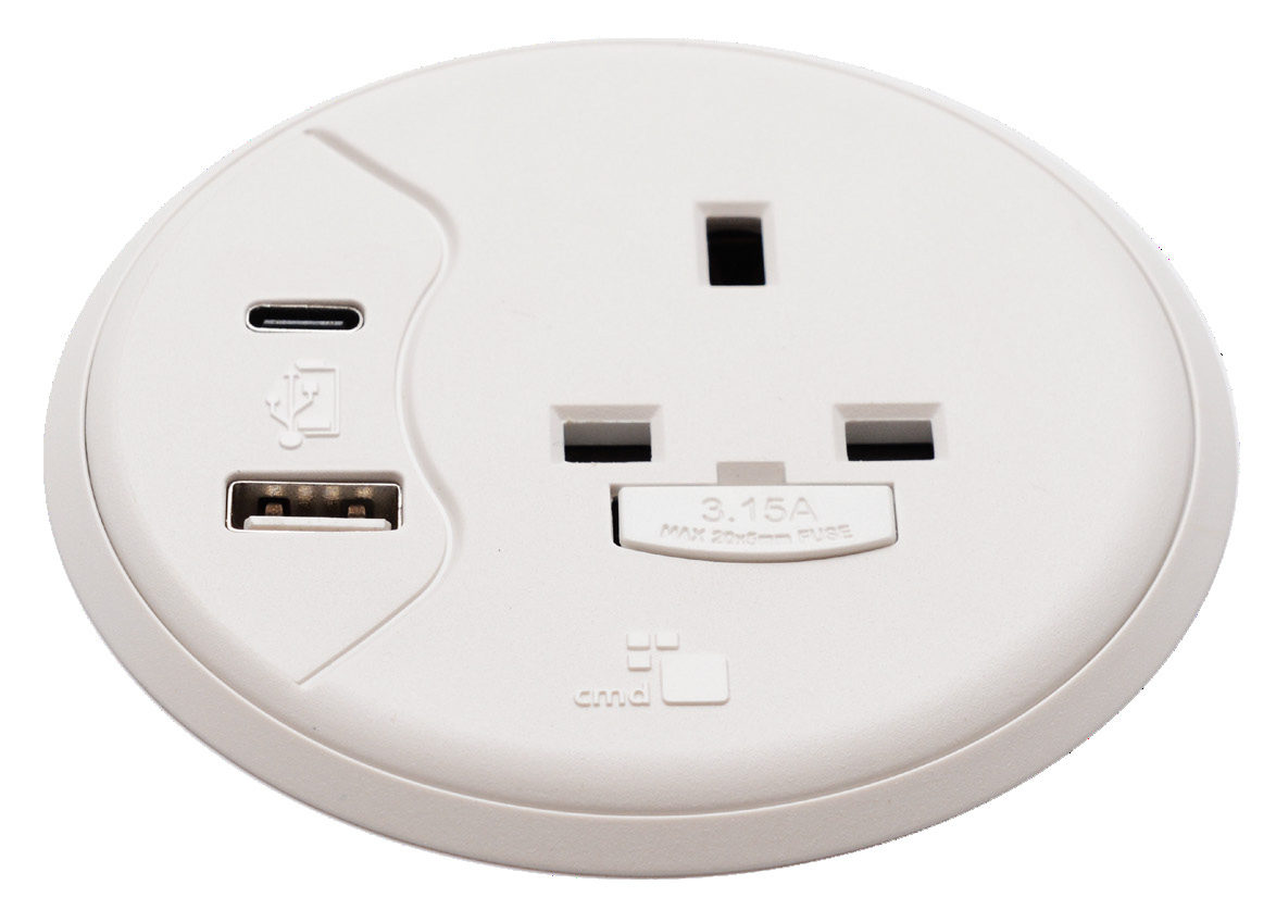 Porthole UK & International Power and USB Charging