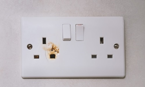 Electrical safety in the office | CMD